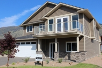 2779 Beachmount Crescent